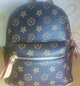 Стильный брэндовый рюкзак