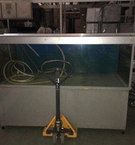 Аквариум для живой рыбы с агрегатом