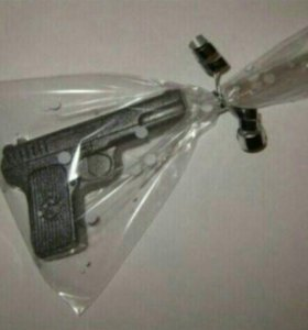 """Натуральное мыло ручной работы """"Пистолет""""."""