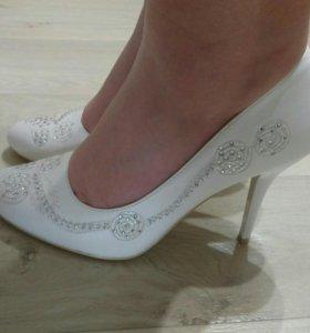 Туфли новые,38разм