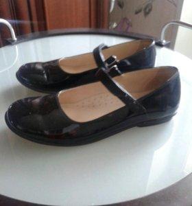 Туфли новые.натуральный лак.37размер