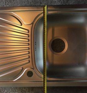 Кухонная мойка. Тиснёная нержавейка