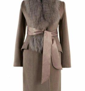 Шикарное пальто р50