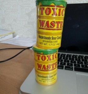 Toxic Waste - самые кислые конфетки в мире