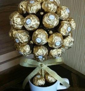 Дерево из конфет Ферерро роше