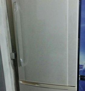 Холодильник Panasonic бу
