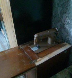 Швейная машинка(ножная)