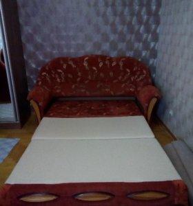 Продам диван и 2 кресла в отличном состоянии.