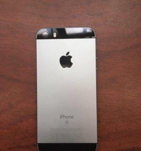 iPhone SE. 64 ГБ