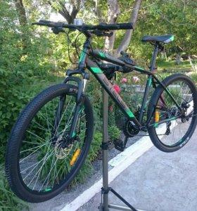 Новый велосипед с дисковыми тормозами