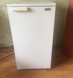 Холодильник mini  whirlpool