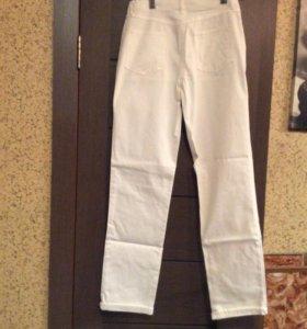 Брюки-джинсы 46 р