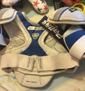 Детский хоккейный нагрудник Nike Bauer