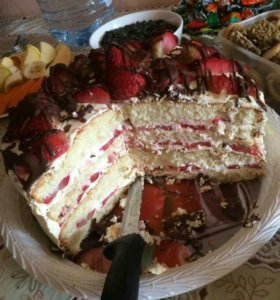 Торт клубничный