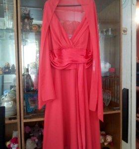 Продам новое выпускное платье. Одевалась один раз.