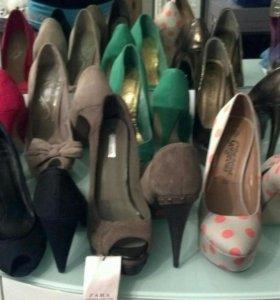 Босоножки,туфли,ботильоны, сапоги,на каблуке,35-36