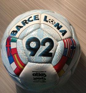 Продаётся коллекционный мяч.