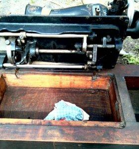 Старинная швейная машинка gritzner
