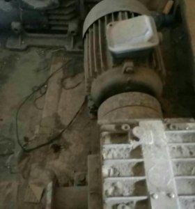 Эл.двигатель с редуктором