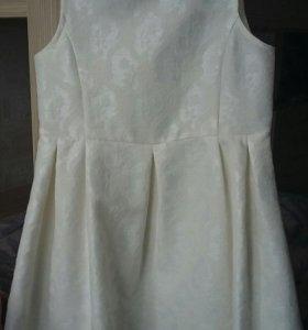 продам детское платье на Праздник