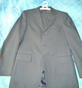 Мужской костюм+рубашка и галстук