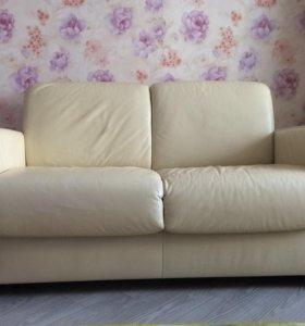 Диван-кровать кожаный