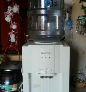 Кулер для горячей и холодной воды.