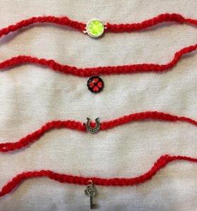 Браслет оберег-талисман из красной шерстяной нити