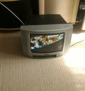Телевизор небольшой но четкий)
