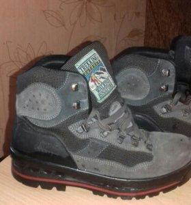 Ботинки горнолыжные 651 руб.