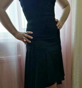 Платье черное р.44