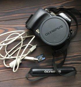 Цифровой фотоаппарат Olympus SP-565UZ
