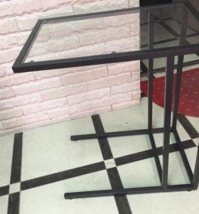 Стеклянная подставка-столик