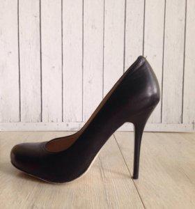 Кожаные туфли Djovannia