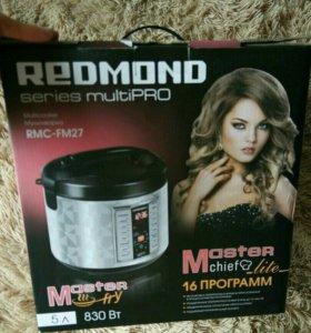 Мультиварка Redmond rmc-fm27. Новая.