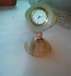 Статуэтка-часы мраморная