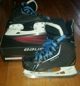 Хоккейные коньки Bauer  детские