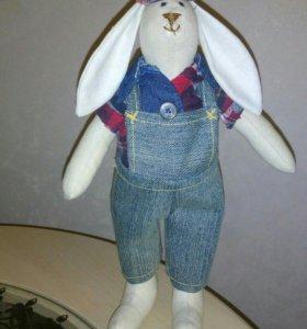 Интерьерная игрушка заяц тильда