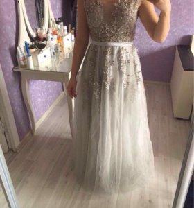 Платье на выпускной, свадьбу вечернее.