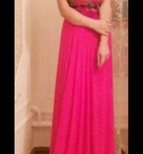 Продаю платье розовое ,надевала три раз. Размер 42