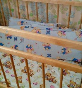 Детская кроватка, матрас, бортики, комплект белья.