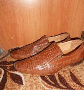 Мужские ботинки на 41-42 размер.