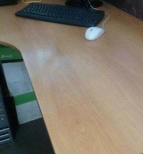 Стол письменный, он же офисный
