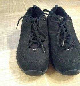 Кроссовки Nike бу 38 размер