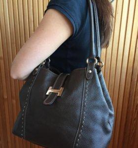 Кожаная сумка для модницы