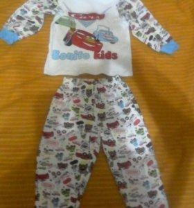 Клевая детская пижама теплая. С маквином.на 2-4 го
