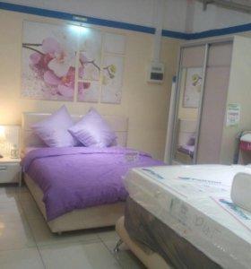 Кровать, матрас, шкаф, тумбочкановые