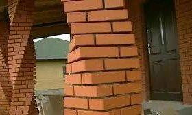 Кладка кирпича и блоков.