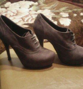 Женские туфли 37 р