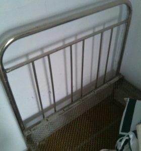 Кровать металлическая с сеткой